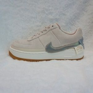 NIKE AIR FORCE 1 JESTER LOW SIZE 8.5 DESERT SAND S